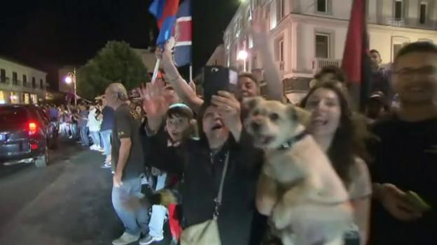 Video «Crotone: Eine Stadt feiert den Liga-Erhalt» abspielen