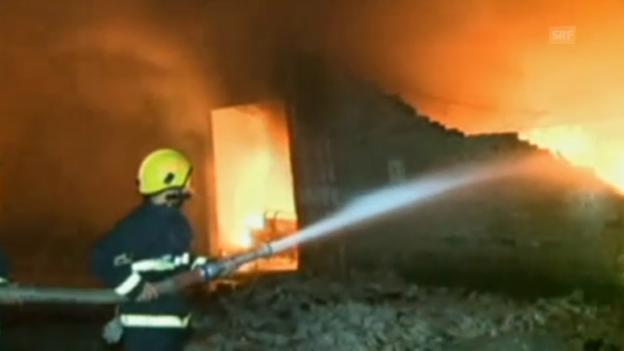 Video «China: Feuerwehr chancenlos gegen Flammen» abspielen