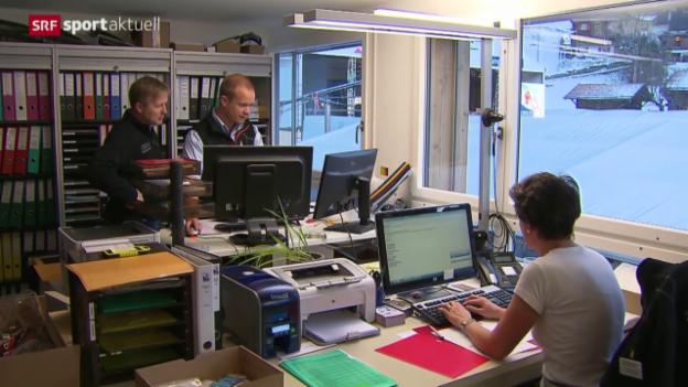 Video «Ski Alpin: Die Schwierigkeiten wegen der Rennumstellung» abspielen