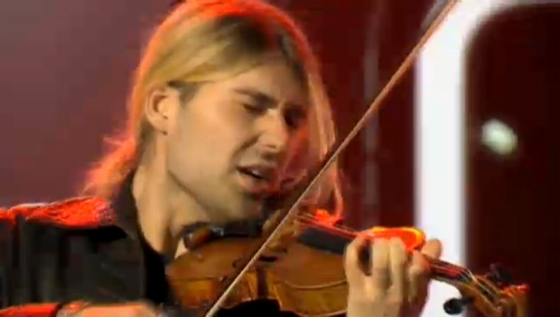Video «Showact David Garrett mit Beethovens 5. Symphonie» abspielen
