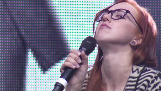 Video «Stefanie Heinzmann singt «Kiss»» abspielen