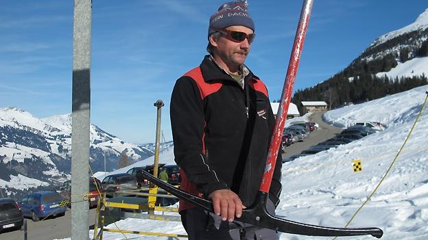 Am Skilift von Anbügler Ueli Schütz