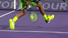 Video «Kyrgios zeigt auch Federer seinen Tweener» abspielen