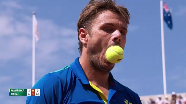 Video «Ball im Mund, Racket zerstört: Stan hadert im Final» abspielen