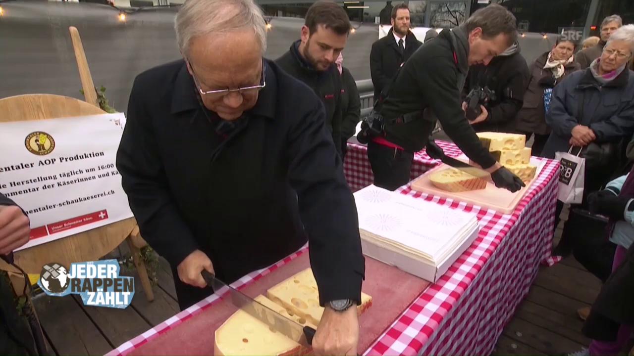 Johann Schneider-Ammann verkauft den Bundesrats-Käse