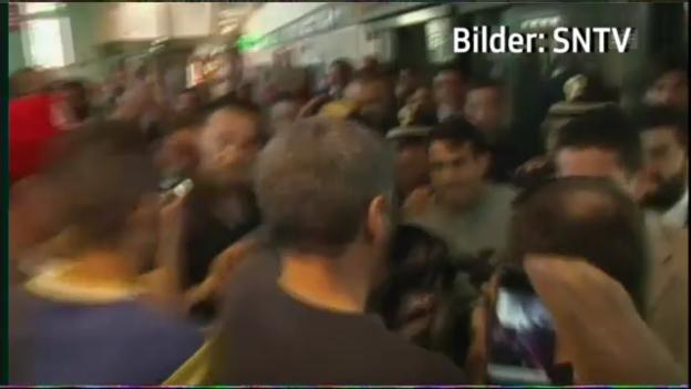Video «Verrückter Empfang für Tevez in Italien» abspielen