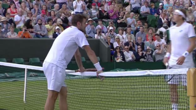 Video «Tennis: Wimbledon, Zusammenfassung Wawrinka - Istomin» abspielen