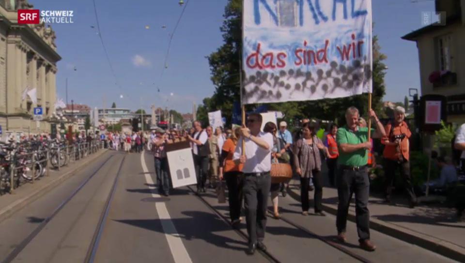 Pfarrer demonstrieren gegen Sparkurs