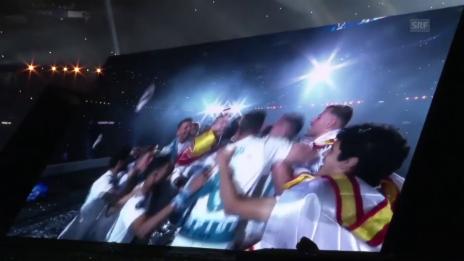 Link öffnet eine Lightbox. Video Spieler und Fans an CL-Party: «Cristiano, bleib hier!» abspielen