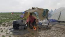 Video «Nässe, Kälte und Matsch – unhaltbare Zustände in Idomeni» abspielen