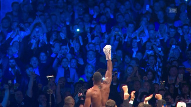Video «Joshua vs. Klitschko: Jugend schlägt Routine» abspielen