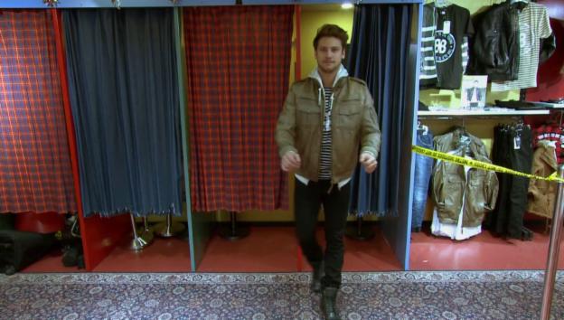 Video «Bastian Baker: der Musiker macht Mode» abspielen