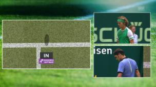 Video «Erst Schiri-Korrektur, dann Stoppball: Federer hat alles im Griff» abspielen