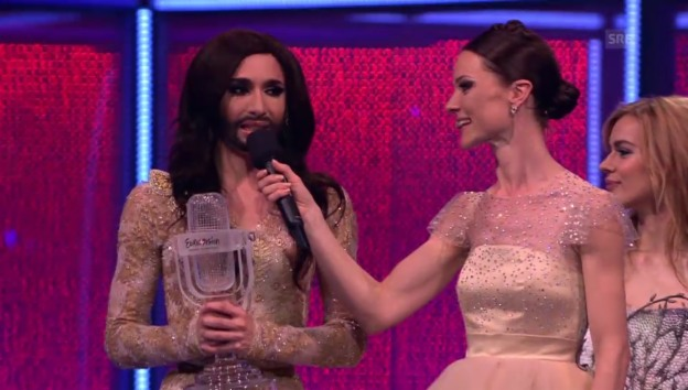 Video «Conchita Wurst: Ihre ersten Worte nach dem Sieg» abspielen