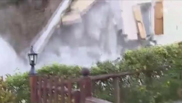 Video «Aufnahme der Zerstörung eines Hauses (ohne Ton)» abspielen