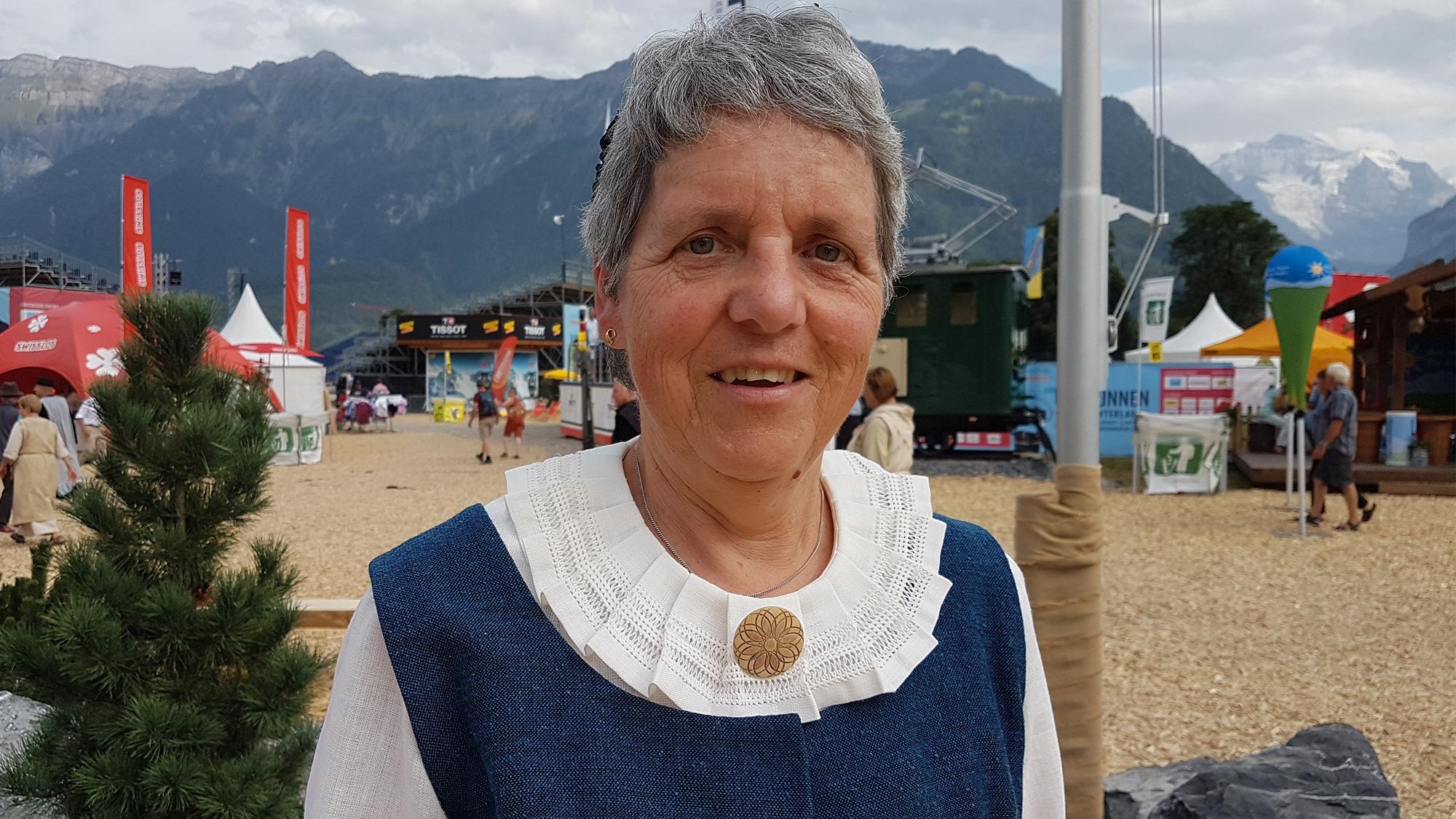 Elisabeth Bösch und ihre Bündner Sonntagstracht