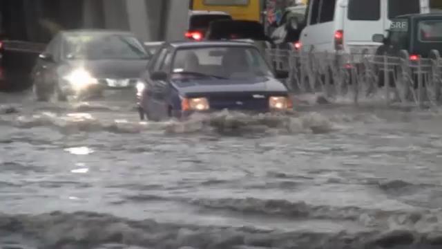 Überflutete Strassen in Kiew/Ukraine