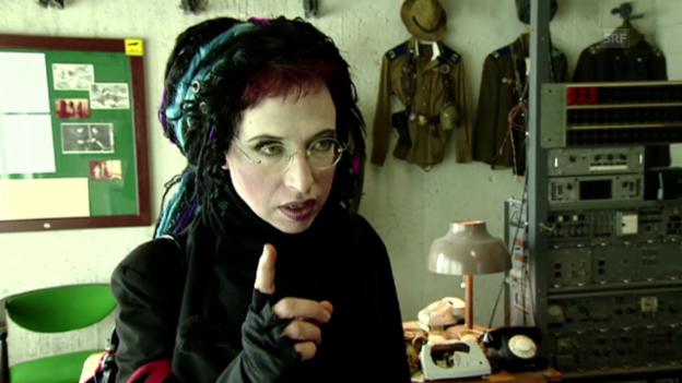 Video «Sofi Oksanan über die Einreisebedingen der Sowjetunion» abspielen