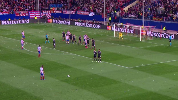 Video «Fussball: CL-Achtelfinal-Rückspiel, Atletico-Leverkusen, Tor Suarez 1:0» abspielen