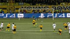 Link öffnet eine Lightbox. Video Die Penalty-Szene: Parejos Foul, Hoaraus Ausgleich abspielen