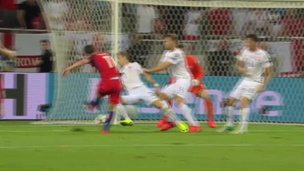 Video «England mit Last-Minute-Sieg gegen die Slowakei» abspielen