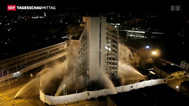 Video «Hochhaus-Sprengung geglückt» abspielen