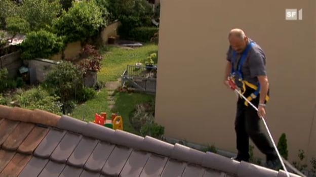 Video «Dachsanierungen: Reingelegt statt abgedichtet» abspielen