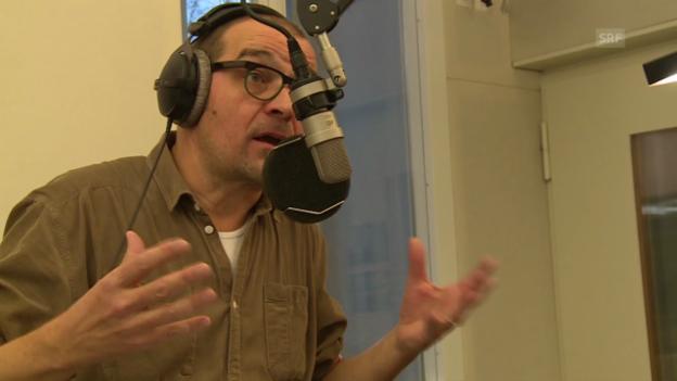 Video «Raphael Zehnder moderiert auf Latein» abspielen