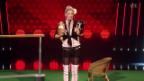 Video «Karin Baumann tanzt mit Hunden» abspielen