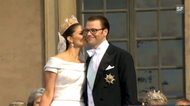Video «Der Hochzeits-Schmatzer von Kronprinzessin Victoria und Prinz Daniel» abspielen