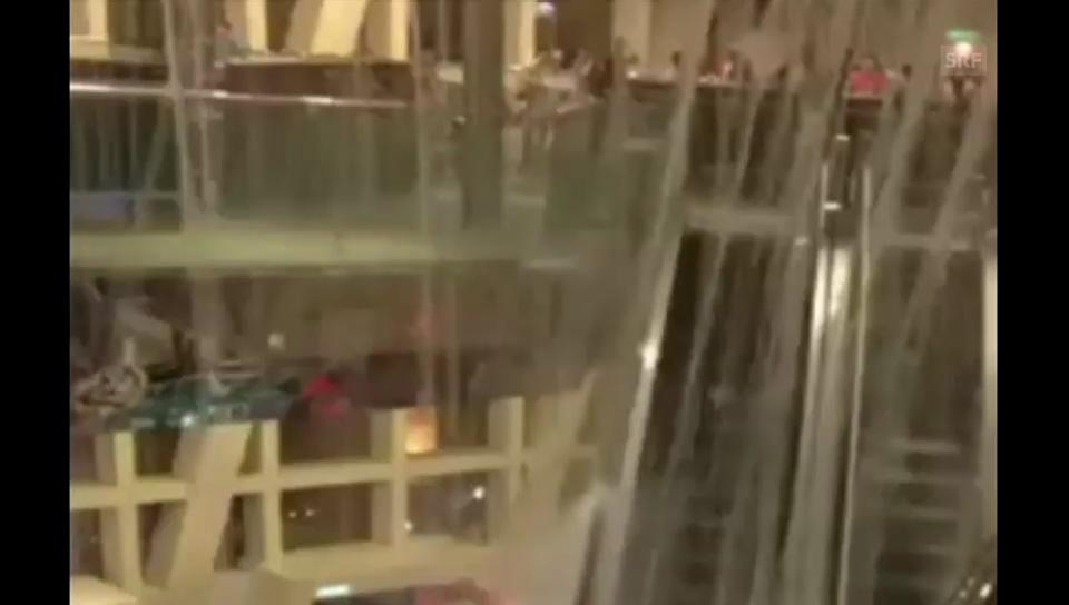 Hagelsturm im Hongkonger Einkaufszentrum (unkommentiert)