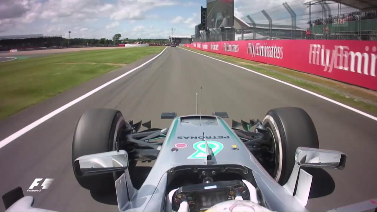 Hamilton fährt zum Sieg in Silverstone