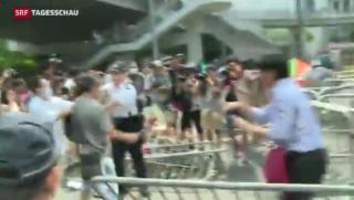 Video «Wut und Gewalt gegen Studenten in Hongkong» abspielen