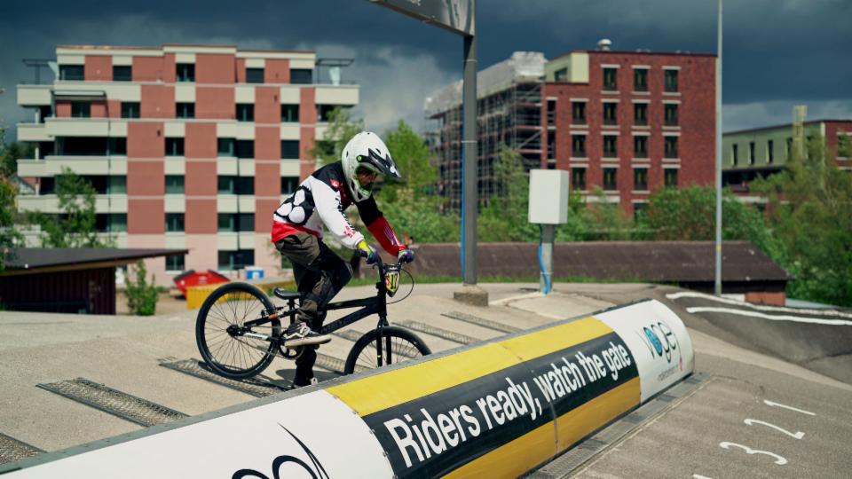 Nils fährt BMX-Rennen