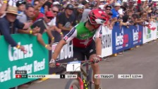 Laschar ir video «Schurters Finish in Cairns»