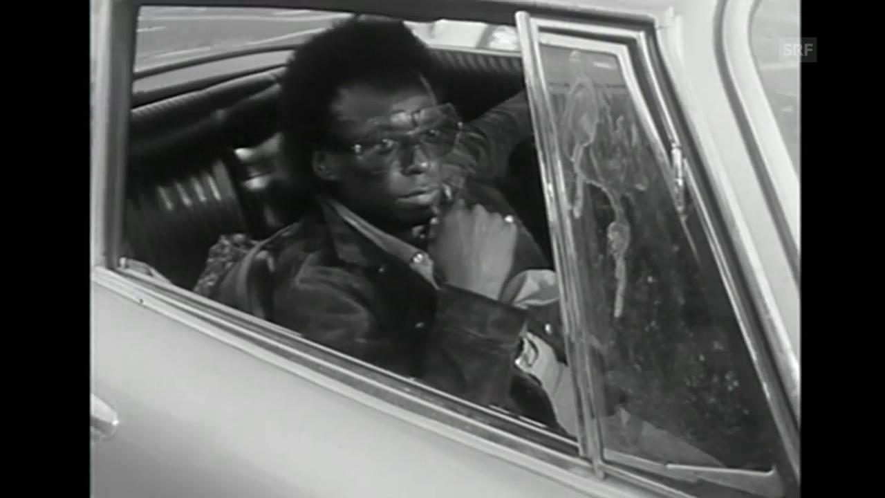Miles Davis kommt am Flughafen Zürich an (1971) (ohne Ton)