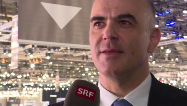 Video «Alain Berset über Politik und Autos» abspielen