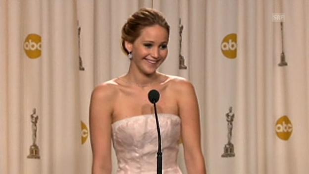 Video «Nach Oscars: Jennifer Lawrence lallt» abspielen