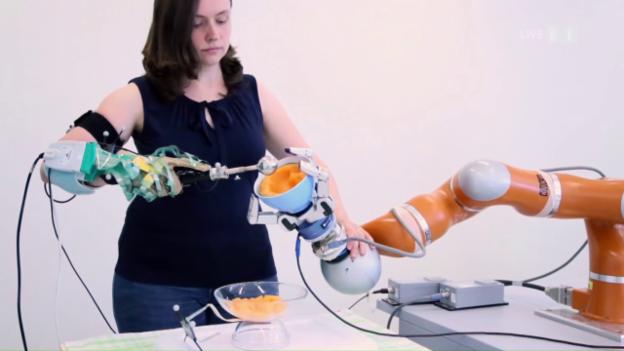 Video ««SRF Menschmaschine» IV: Der Endspurt beim Cybathlon» abspielen