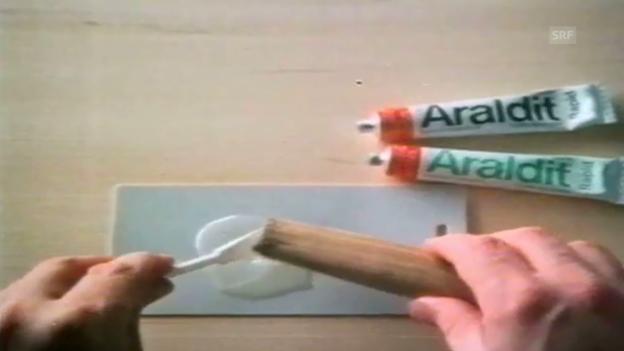 Video «Araldit - Hammer & Nagel (1975)» abspielen