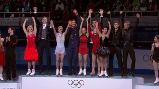 Video «Eiskunstlauf: Teamwettkampf (sotschi direkt, 9.2.2014)» abspielen