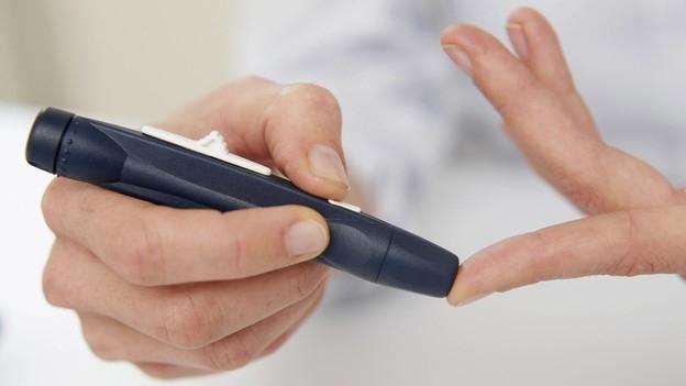 Video «Blutzuckermessung per Sensor – Diabetestherapie im Umbruch» abspielen