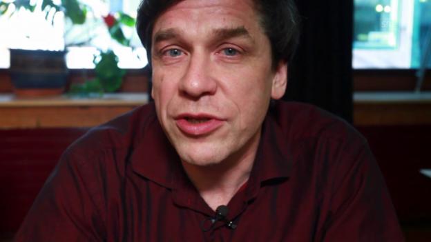 Video «Wie Guy Krneta mit Peter Bichsel den Militärdienst verweigerte» abspielen