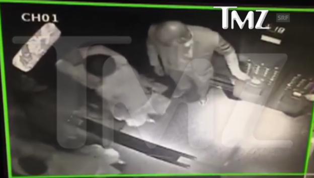 Video «Überwachungskamera hält Prügelei fest» abspielen