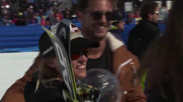 Video «Lara Gut feiert mit Bastian Baker» abspielen