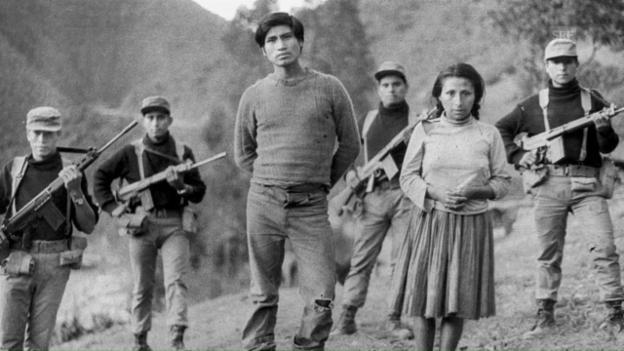 Video «1980 nimmt der Sendero den bewaffneten Kampf auf» abspielen