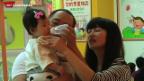 Video «Chinesen dürfen zwei Kinder haben» abspielen