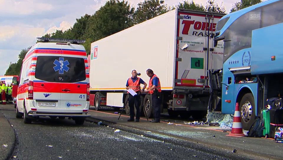 Grosseinsatz nach Unfall auf der A2