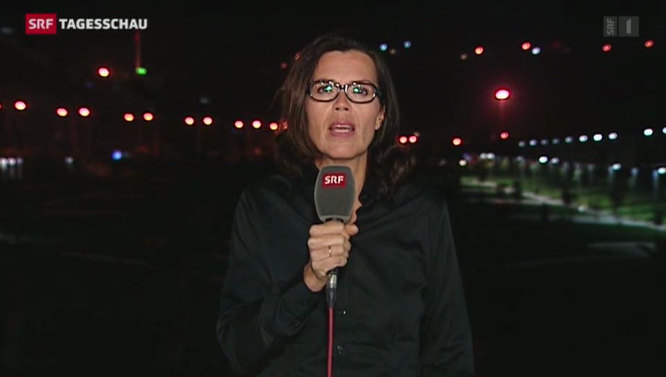 SRF-Korrespondentin Ruth Bossart an der südtürkischen Grenze