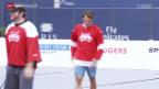 Video «Tennis: Federer spielt in Toronto Streethockey» abspielen